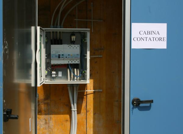 Semplice,-veloce-da-montare-ed-economica:-la-cabina-per-gli-inverter.jpg